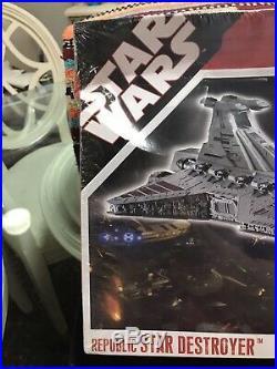 2008 Revell 85-6445 Star Wars Republic Star Destroyer Model in Box-Complete-9039
