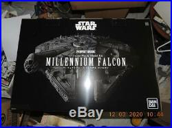 BANDAI STAR WARS 1/72 MILLENNIUM FALCON PREMIUM VER. MODEL KIT Starwars #216384