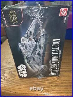 BANDAI Star Wars Millennium Falcon The Force Awakens 1/144 Scale Model Kit