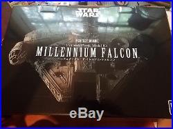 Bandai Star Wars Millennium Falcon 1/72 Perfect Grade model kit new 216384