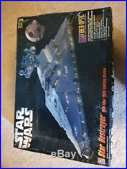 ERTL Star Wars Star Destroyer Model Kit Fibre Optic Lighting