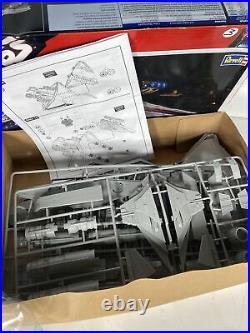Large Scale Revell Star Wars Republic Star Destroyer Model Kit (2008) 85-6445