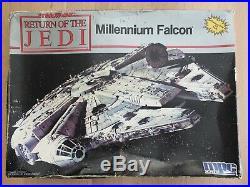 MPC ERTL 8917 Star Wars Return of the Jedi Millennium Falcon Plastic Model Kit