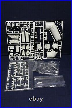 Revell Millennium Falcon Star Wars Master Series 1/72 Model Kit DD4