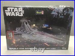Revell Star Wars Republic Star Destroyer Model Kit 85-6458 Disney SEALED