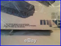 STAR-WARS-MILLENIUM FALCON Model Kit Sealed 1979 box still in original plastic