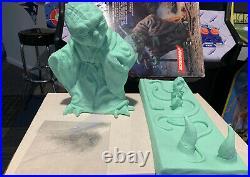 Screamin' Star Wars Yoda Model Kit 1/4 Scale Untrimmed/Unpainted CIB