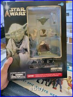 Yoda 1/7th Scale Pre Painted Model Kit ARTFX+ Kotobukiya Dark Horse Star Wars